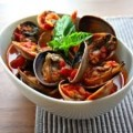 Mussles over Spaghetti with Red Sauce